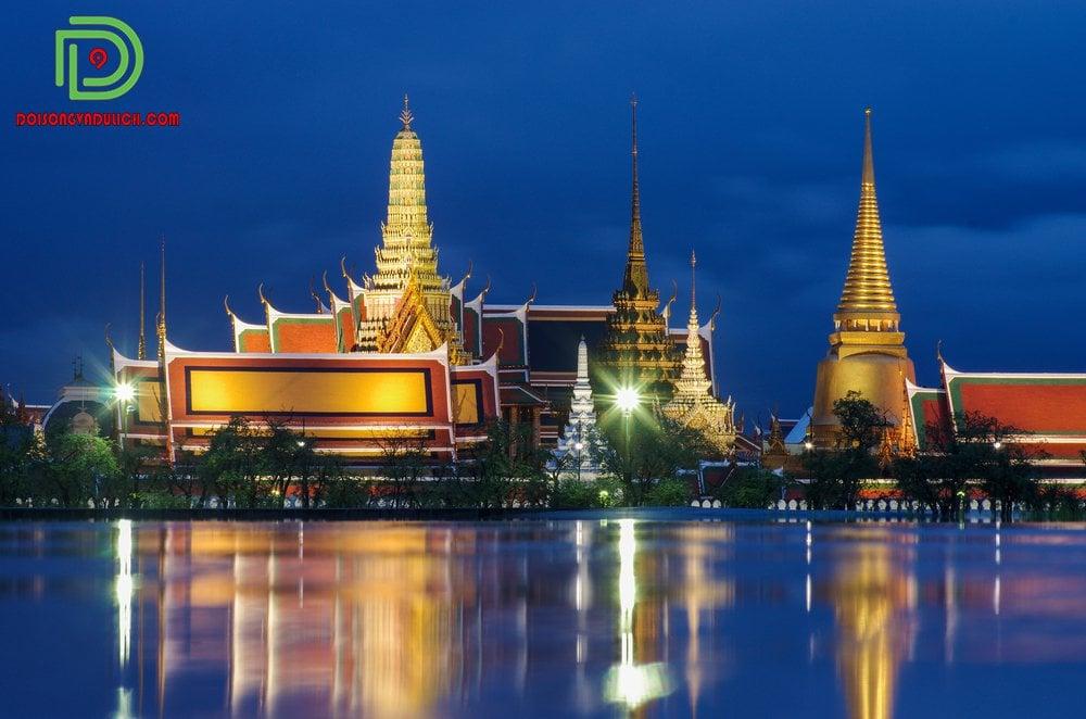Wat Phra Kaew vào ban đêm
