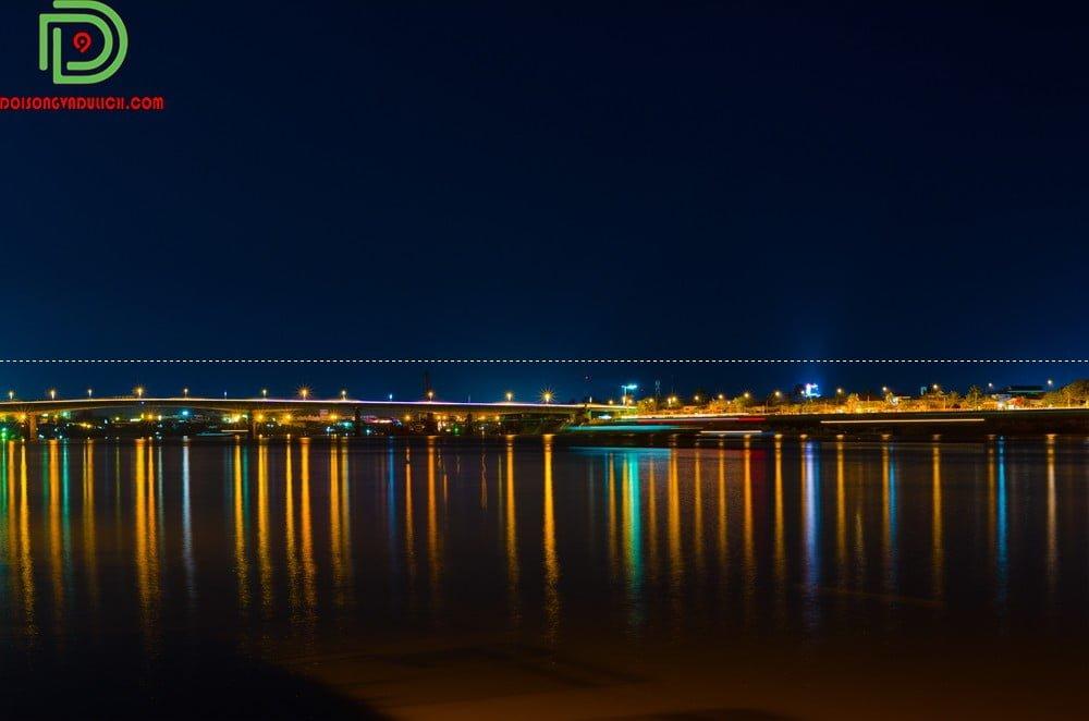 Biển hồ campuchia lúc về đêm