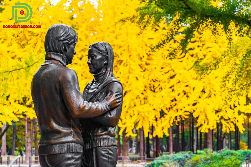 bức tượng tình yêu ở nami