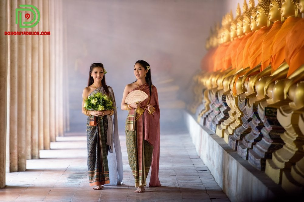 Trang phục truyền thống cho phái nữ