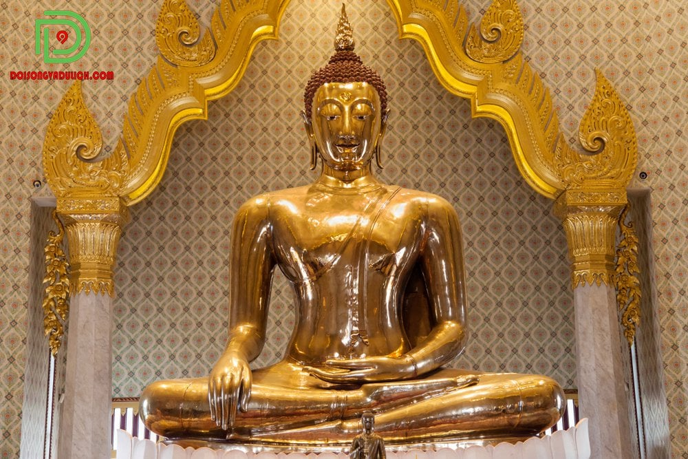 tượng Phật vàng
