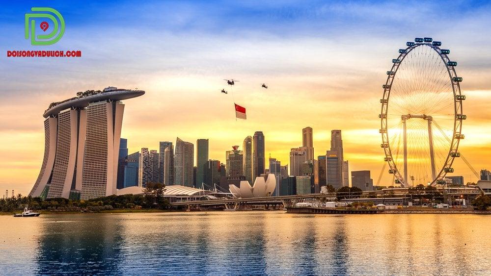 Cờ Singapore được trực thăng kéo lên