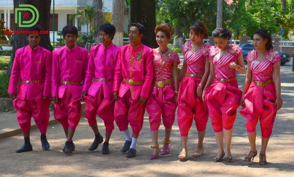 trang phục truyền thống sampot